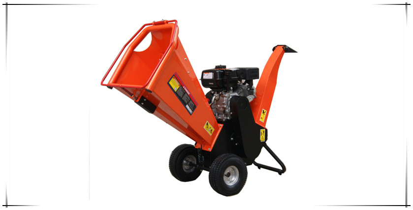 Small 6.5hp wood chipper